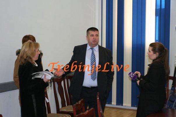 gradonacelnik u razgovoru sa novinarima